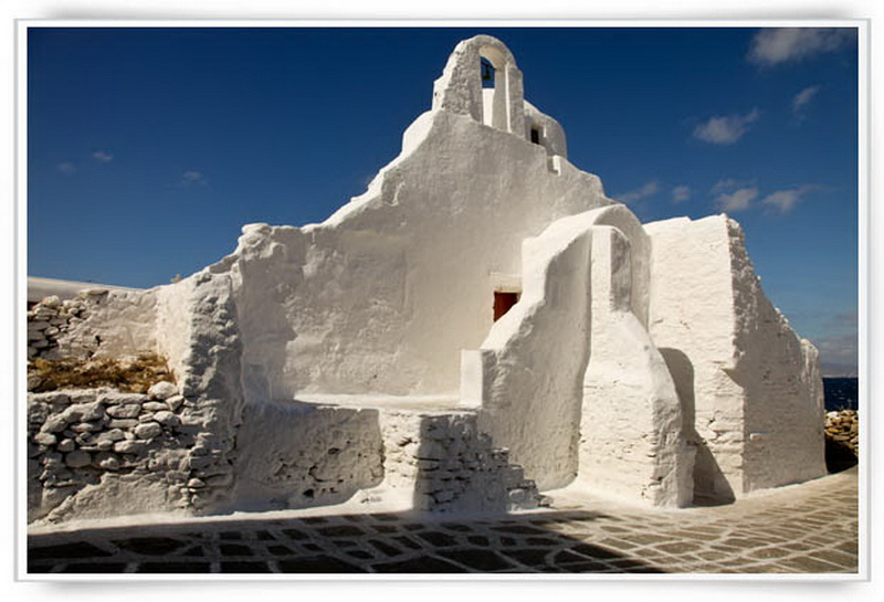 paraportiani-church-mykonos-attractions_resize